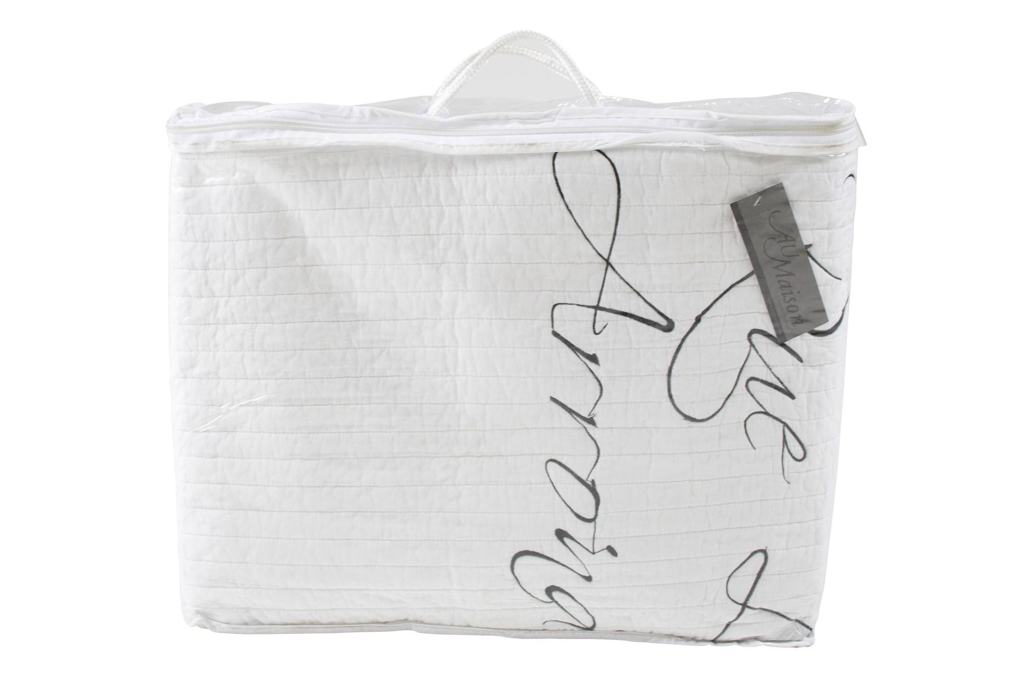 Køb Quiltet Sengetæppe M. Vintage Skrift 140×200 Off White